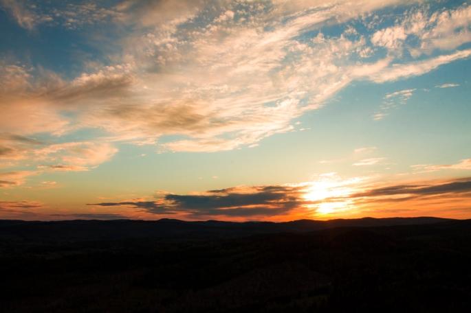 skule-mountain-orange-glow-sunset-vista