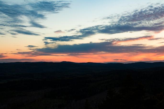 skule-mountain-peach-lilac-glow-sunset-vista