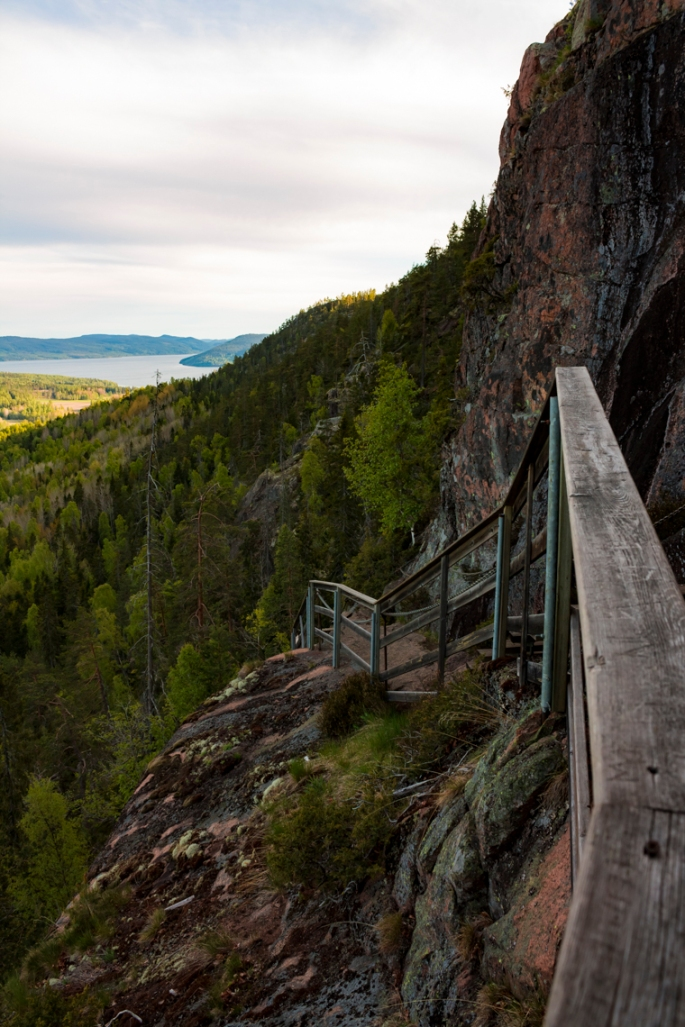 skule-mountain-steep-stairs-view