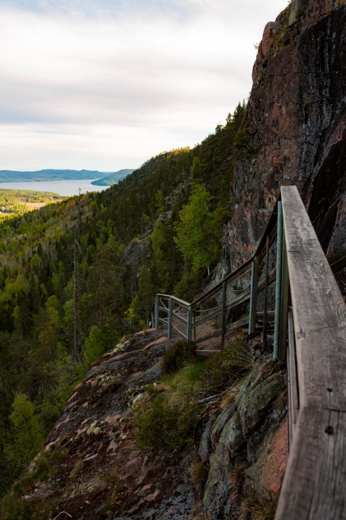 skule-mountain-steep-stairs-view