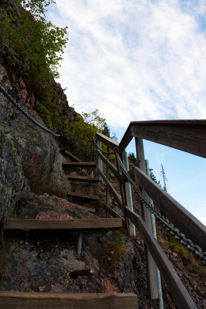 skule-mountain-steep-stairs