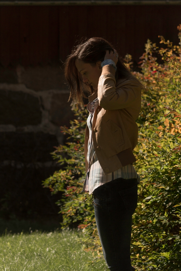 woman-autumn-portrait