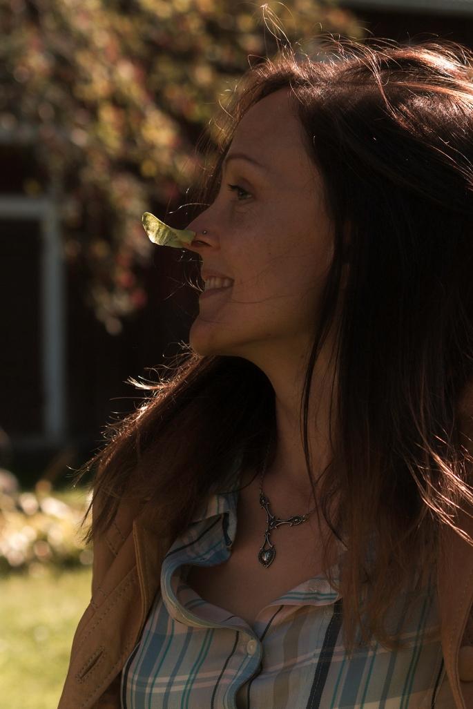 maple-woman-playful