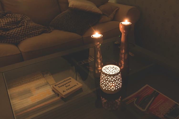 burning-tea-light-candles