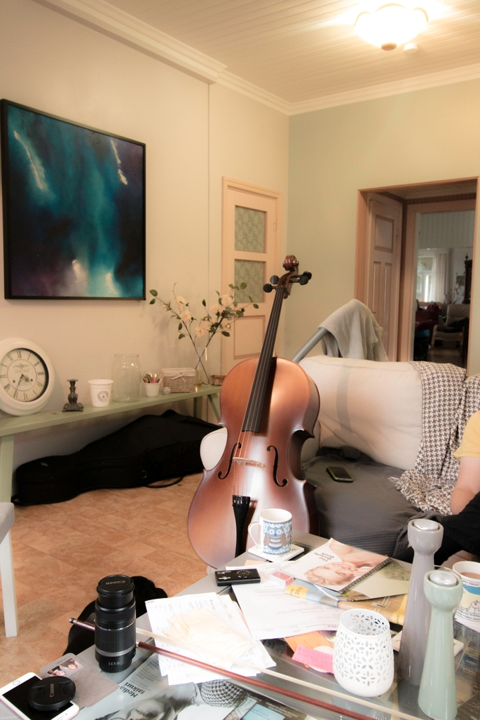cello-in-messy-room