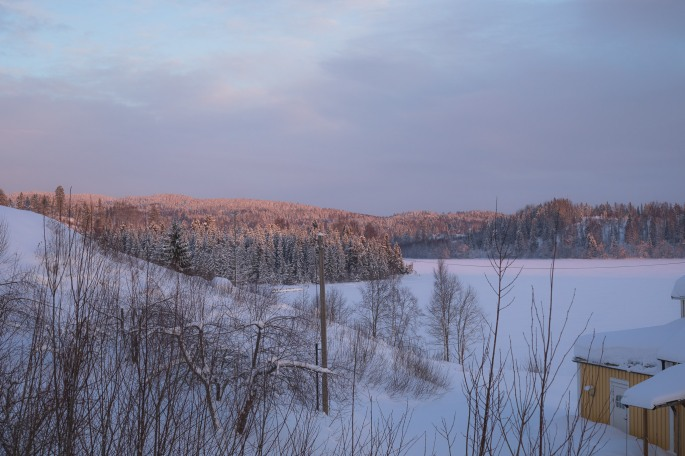 magical-winter-sunrise-light